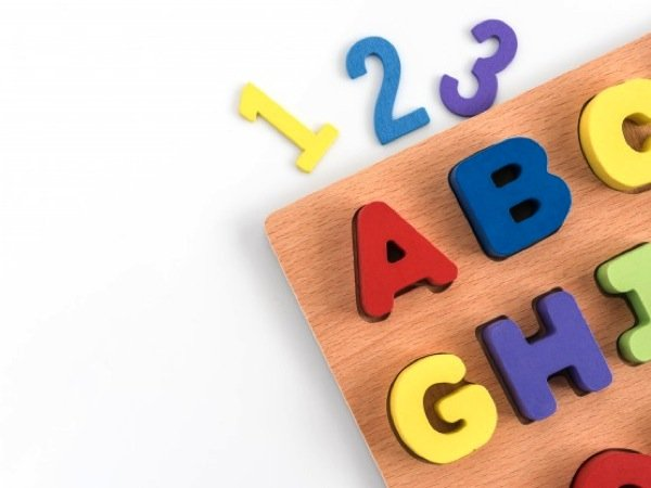 children can learn two languages